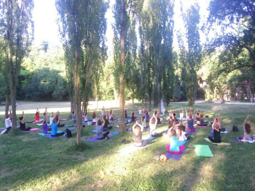 yoga a villa pamphili yoga day 2017 (10)